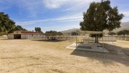 26626 Paradise Valley Rd - Back