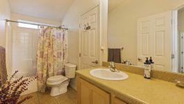 26640 Paradise Valley Rd - Bathroom