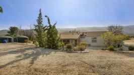 26640 Paradise Valley Rd - Back