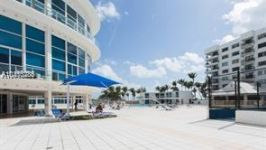 5445 Collins Ave #506