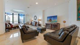 Villa Regina At Brickell - Master Bedtoom