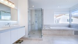 Price Reduced In Usd 60,000 / Sellers Offer Money Incentives For Closing Costs. - Master Bathroom