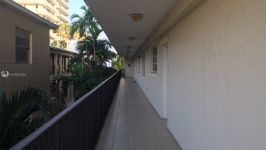 8900 Collins Ave 202