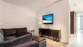 2201 Collins Ave 1604