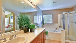 336 Adeline Ave - Master Bathroom