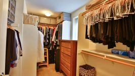 336 Adeline Ave - Huge Walk In Closet