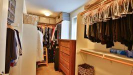 336 Adeline Ave - Huge Walk In Closet
