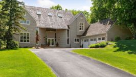 5535 Waterford Circle, Shorewood, MN, US - Image 0