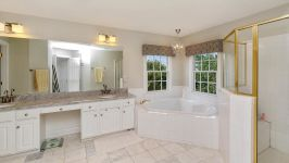 8900 Grist Mill Woods Court, Alexandria, VA, US - Image 13