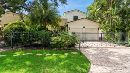 1672 Micanopy Ave