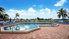 5700 Collins Ave 16 K