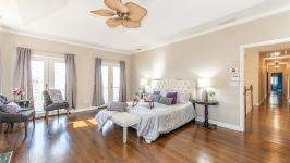 5 Beacon Hill Dr - Master Bedroom