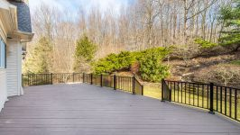 5 Beacon Hill Dr - Deck