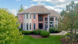 9295 Cascade Circle, Burr Ridge, IL, US - Image 1