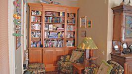 431 Vancouver St - Cozy Study