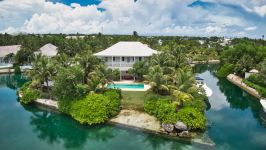 Old Fort Bay Canal Front Home, Old Fort Bay, Nassau / New Providence, BS - Image 0