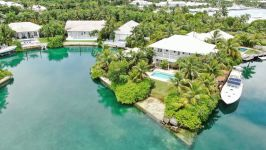 Old Fort Bay Canal Front Home, Old Fort Bay, Nassau / New Providence, BS - Image 1