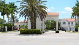 7013 Romana Way E #1506 Naples, Fl 34119 - Gated Entrance To Community