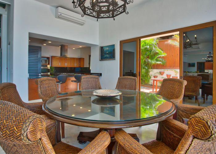 Villa Turquesa Dining Room 6