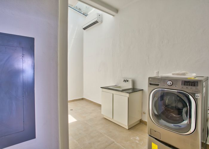 Villa Turquesa laundry