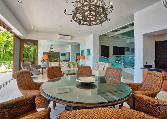 Villa Turquesa dining room-2