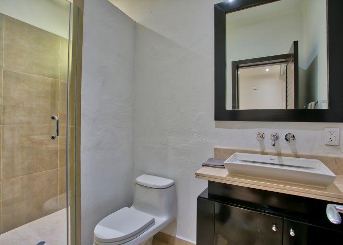 Villa Turquesa guest bathroom4