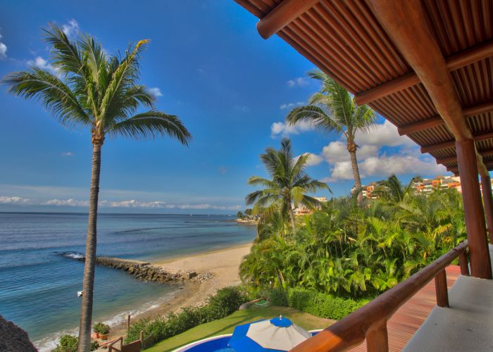 Punta Esmerala beachfront house