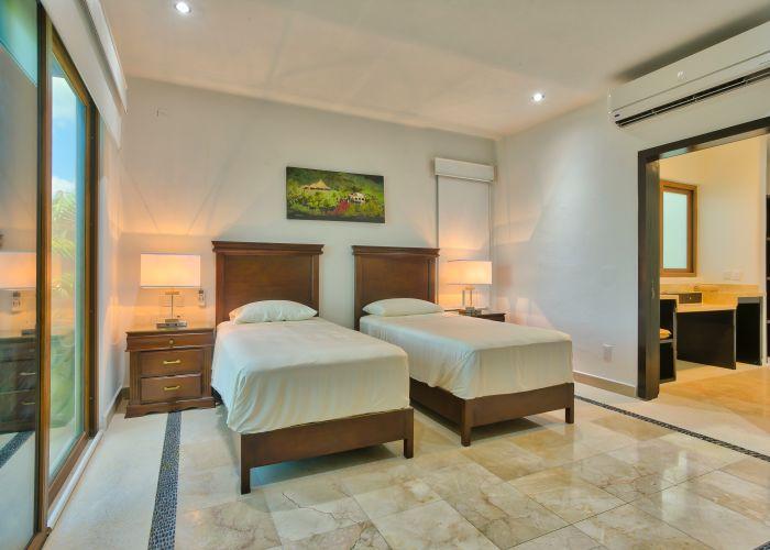 Villa Turquesa bedroom guest 2-3