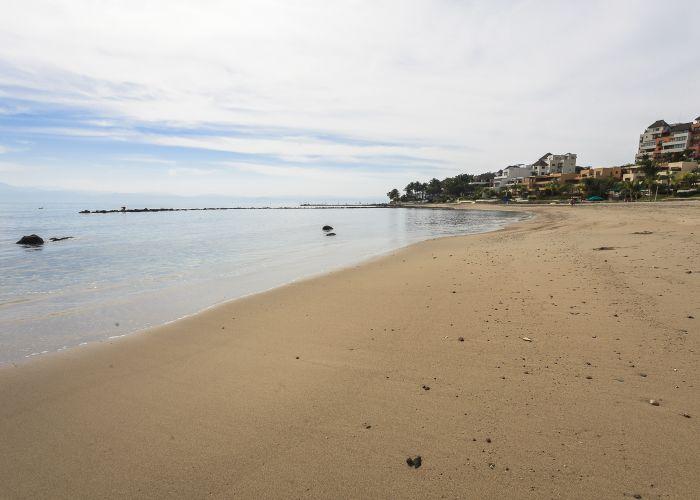 Punta Esmeralda beach 2