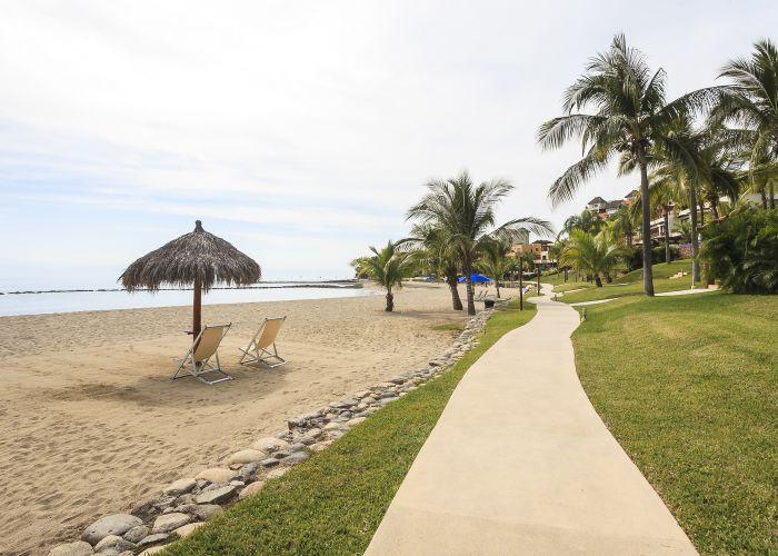 Punta Esmeralda beach 3