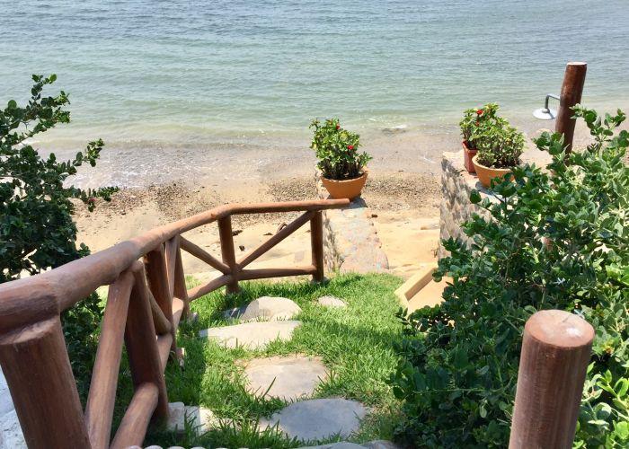 Villa Turquesa-Beach stair case