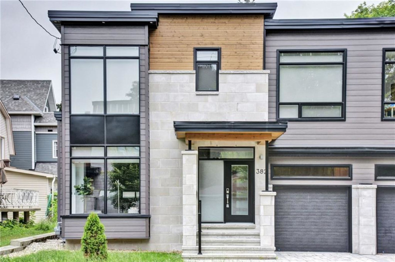 Wondrous Ottawa Ontario K2A 0M7 Mls 1147656 Coldwell Banker Home Interior And Landscaping Ologienasavecom