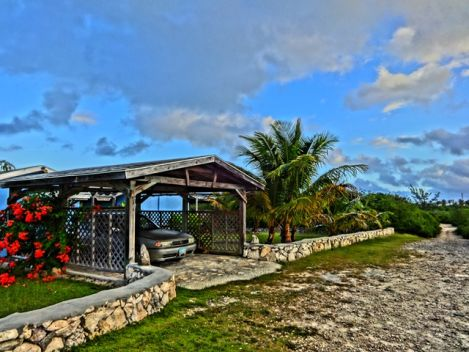 2 Bed Home Home with 1 Bedroom Apartment 1st Corner off Blvd., Exumas, Exuma