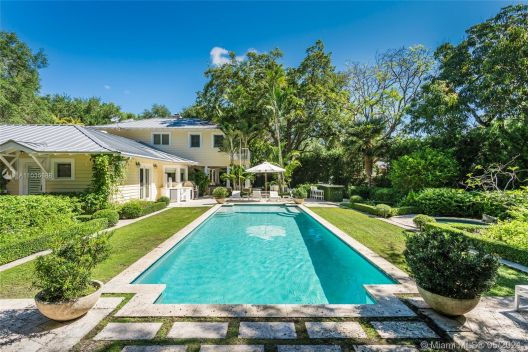 8005 SW 52nd Ave, Miami, Florida 33143