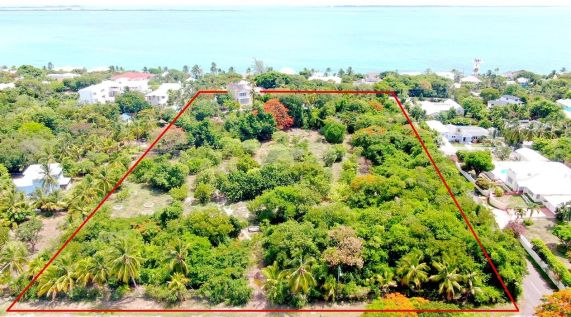 Winton Home on  Acreage For Sale, Winton Heights, Nassau / New Providence