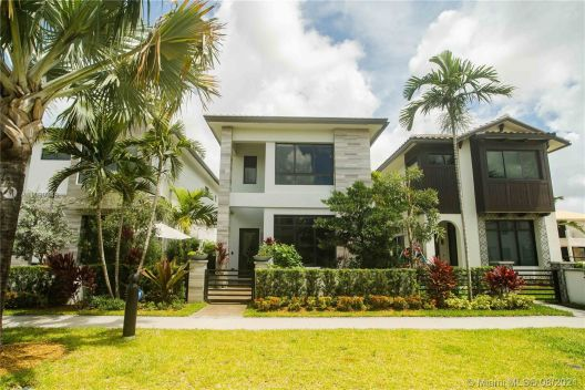 8214 NW 46th St, Doral, Florida 33166