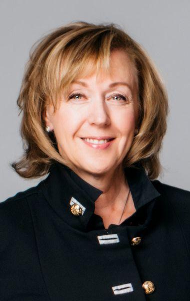 Della Fraser