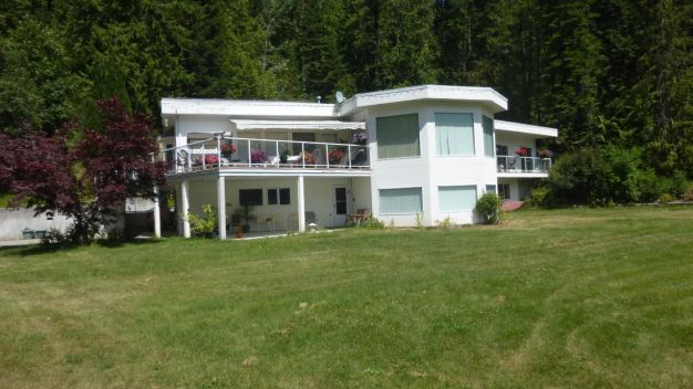 6230 HIGHWAY 3A, Nelson, British Columbia