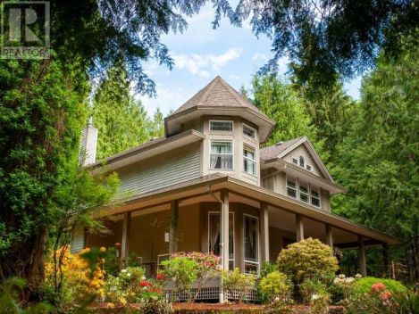 3393 SOUTHILL ROAD, Powell River, British Columbia