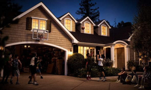"COLDWELL BANKER CELEBRATES FINDING THE HOME YOU LOVE IN NEW  ""HOOPS"" MARKETING CAMPAIGN"