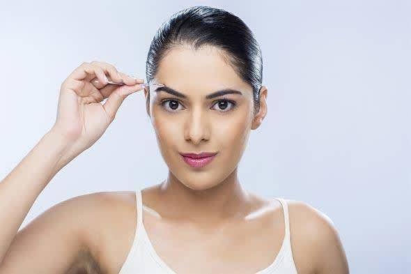 5 Tips To Avoid Pimples After Threading Eyebrows