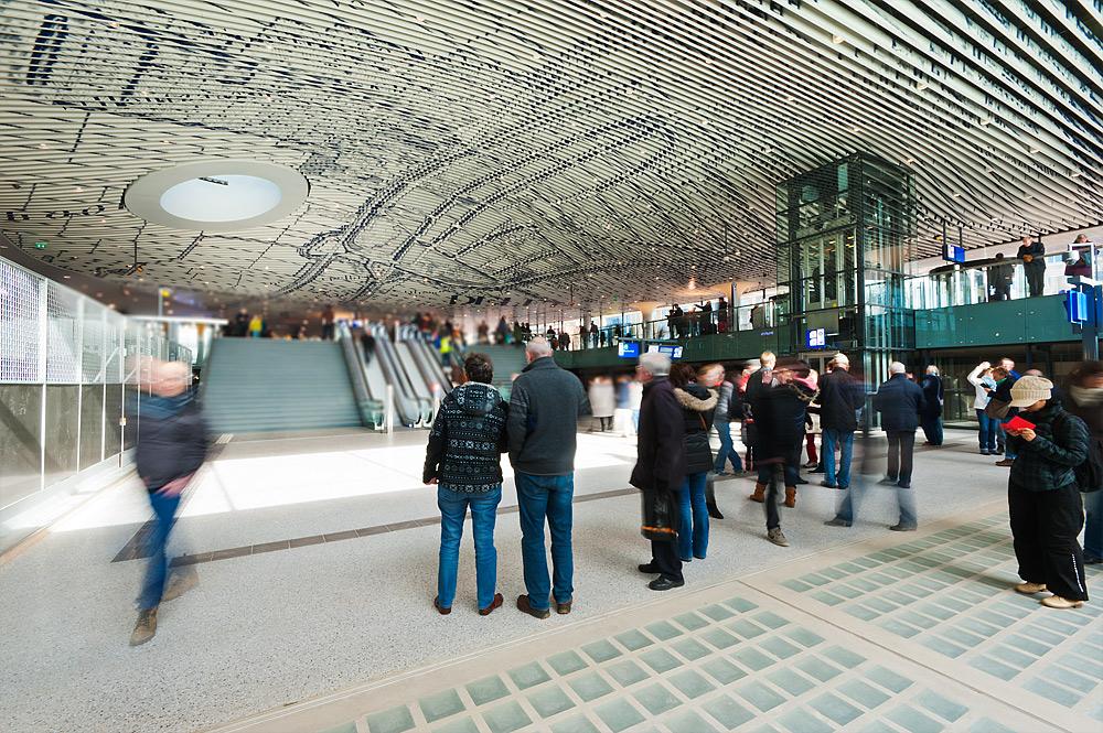 OV terminal Delft operationeel