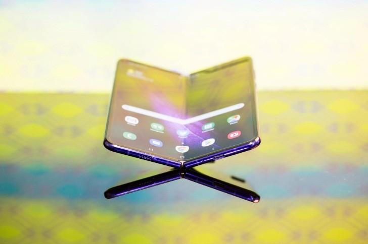 هل يضر هاتف Galaxy Fold بسمعة سامسونج؟..أم يُنهي حلم تلك الهواتف؟