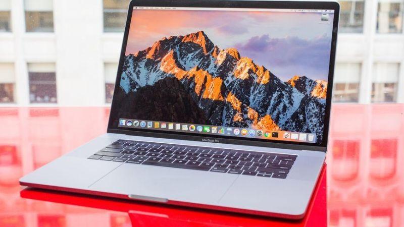 آبل تعلن ترقية جهاز MacBook Pro ليصبح الأفضل عالميًا