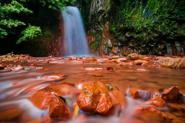 Valencia Pulang Bato Falls