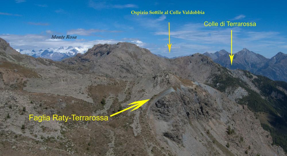 8. Dalla cima del Bec Barmasse appare il tracciato della faglia e il punto ideale di riferimento, l'Ospizio Sottile al Colle Valdobbia (Gressoney).
