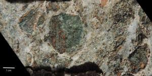 11. Più o meno gli stessi minerali della figura 09.