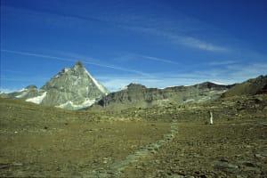 1. A quasi 3000 m la traccia di un antico passaggio sensibile ai mutamenti climatici. Colle delle Cime Bianche, Ayas.