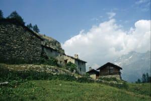 4-2. Lungo il tracciato del carrello, l'alpeggio di Falignon era una base importante per la locale brigata partigiana.