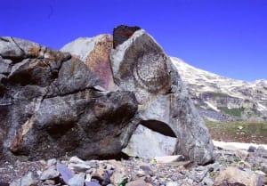 Fantasmi di pillow, antichi cuscini di lava eruttati sul fondo oceanico